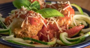 zucchini noodles with meatball marinara