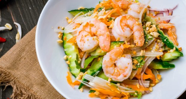 Vietnamese salad with shrimp
